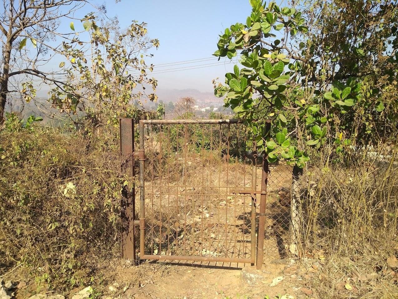 Vallado y pozo para facilitar el acceso a una vida sana a personas en situación de exclusión que viven con VIH en Khopoli