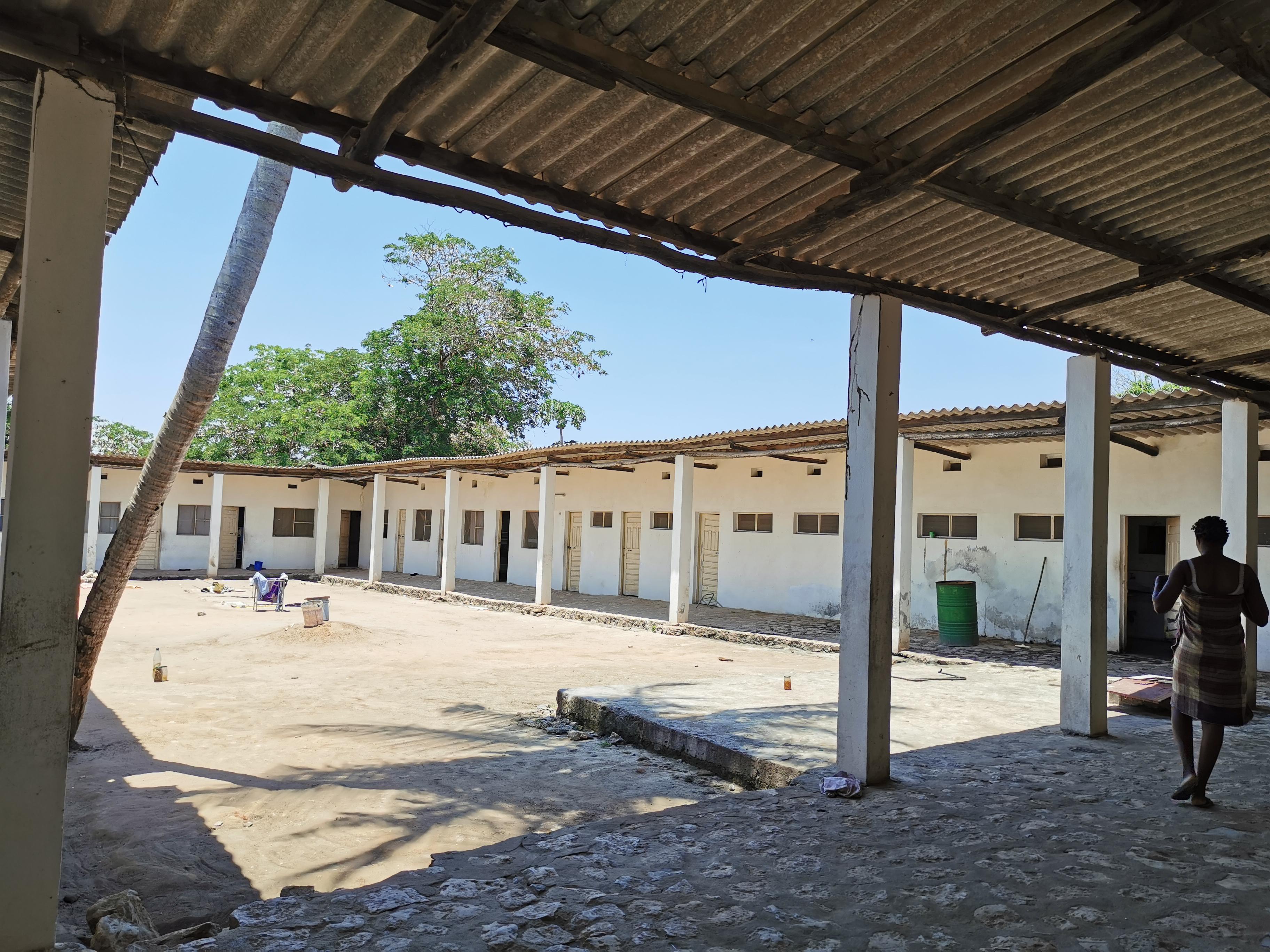 Construcción de 7 dormitorios para alumnos de náutica y pesca en el  Instituto de Nacuxa